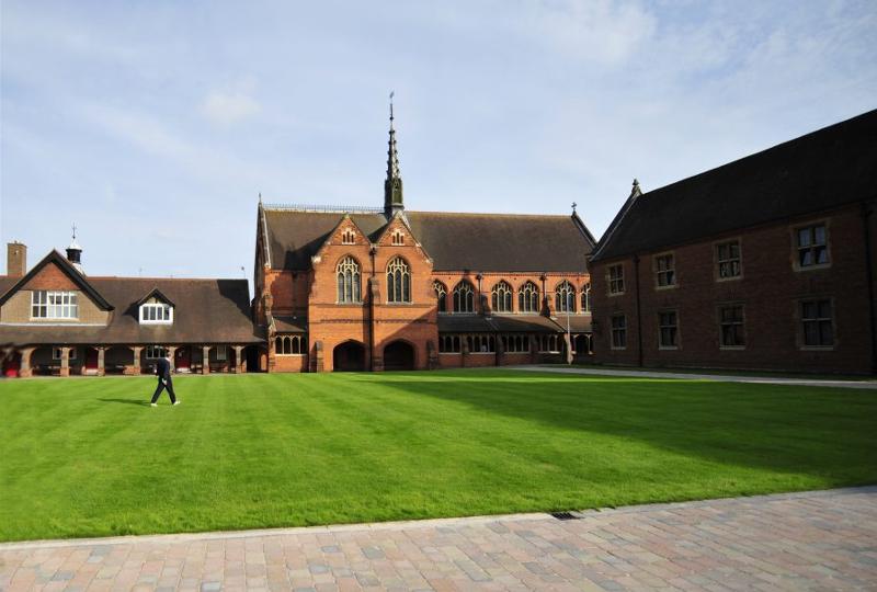 Obóz językowy na kampusie Berkhamsted School w Anglii