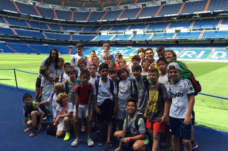 Obóz pilkarski i językowy Fundación Real Madrid Campus Experience w Madrycie w Hiszpanii