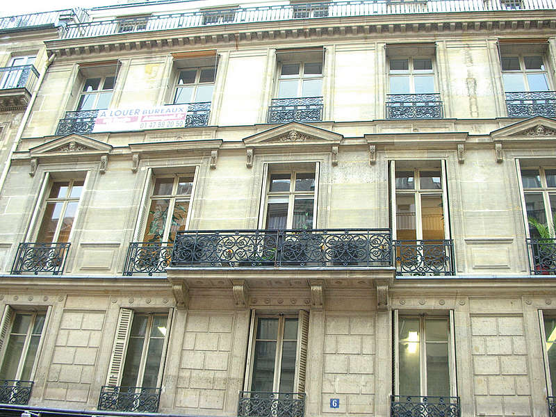 Budynek szkoły językowej w Paryżu