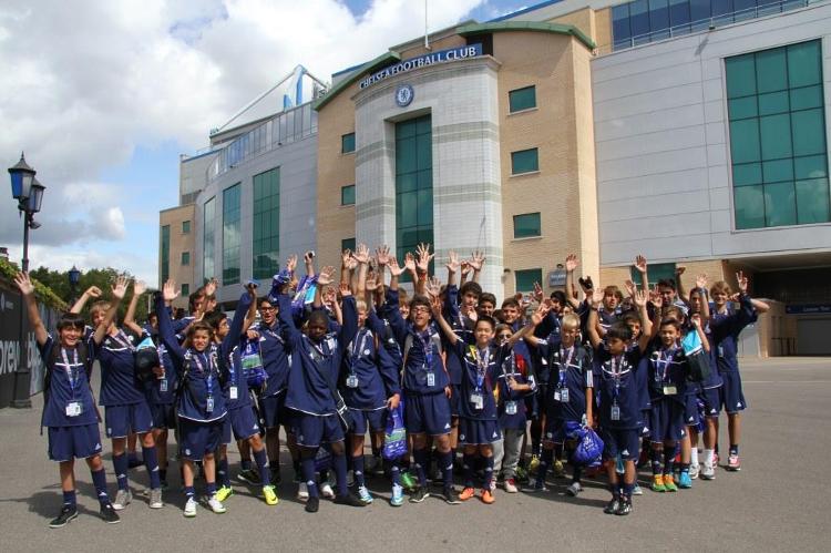 Obóz pilkarski i językowy Chelsea FC Foundation Soccer Schools w Londynie w Anglii