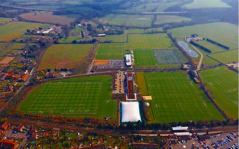 Obóz piłkarski i językowy Chelsea Londyn