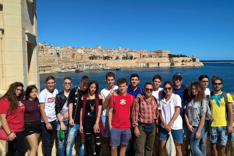 Kolonie i obozy językowe Easy School of Languages w St Paul's Bay na Malcie