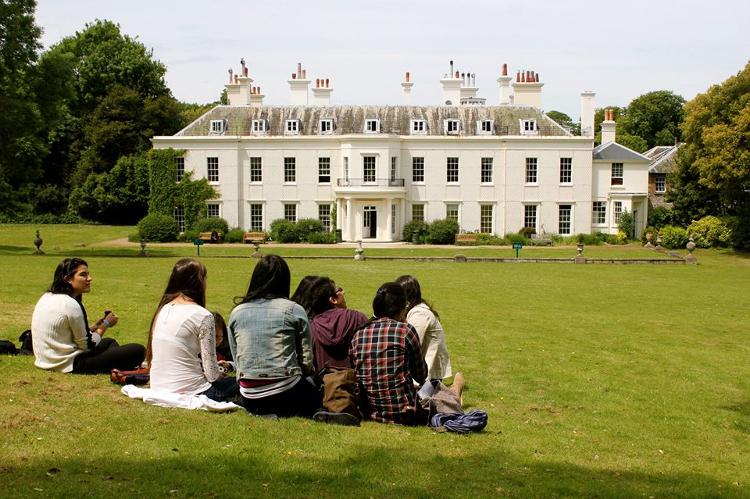 Kursy językowe (angielski) w szkole LTC w Eastbourne w Anglii