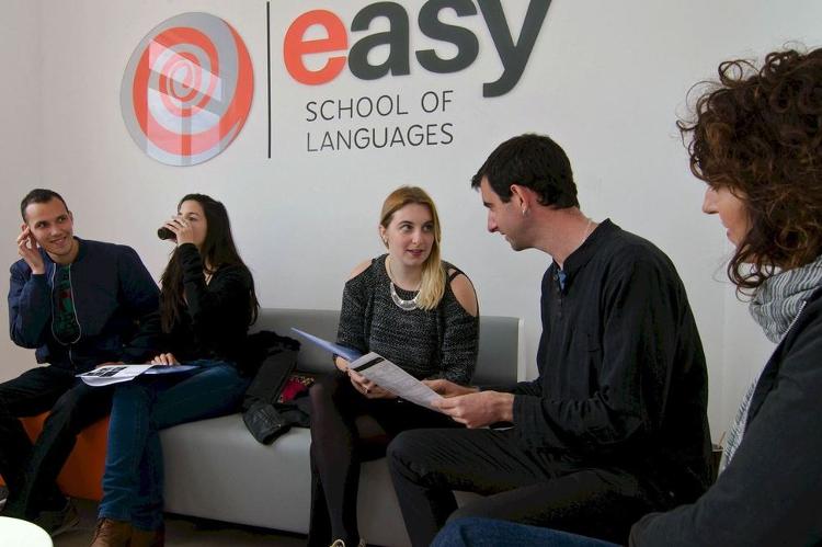 Kursy językowe (angielski) Easy SL w Valletcie na Malcie