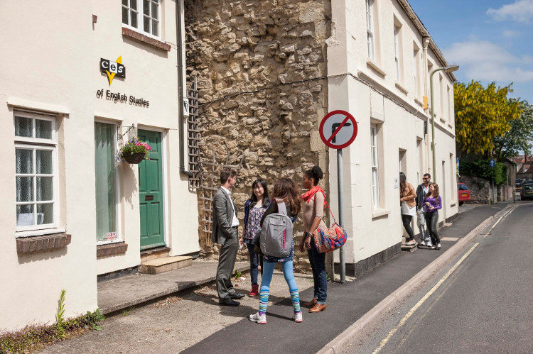 Kursy językowe (angielski) w szkole CES w Oksfordzie w Anglii