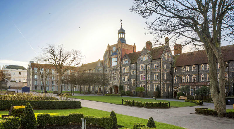 Obozy językowe na kampusie Brighton College w Anglii