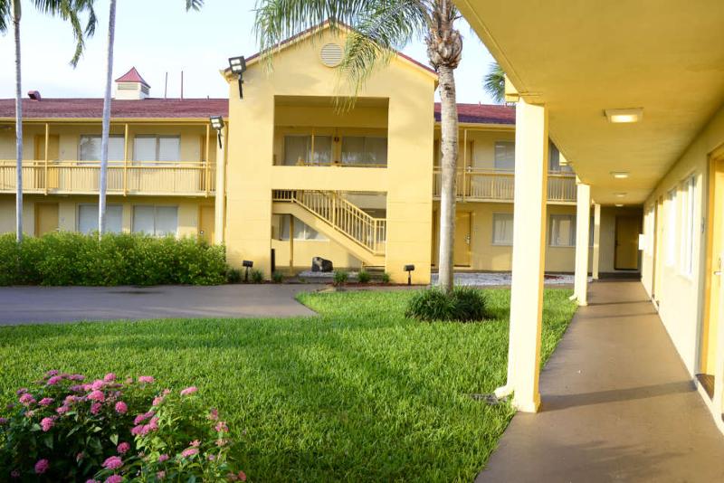 Zakwaterowanie na kampusie na obozie językowym na Florydzie
